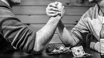 В какие сроки должен сдаваться бухгалтерию табель учета рабочего времени